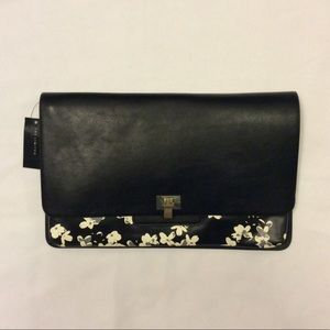 *NWT* The Limited Floral Print Clutch